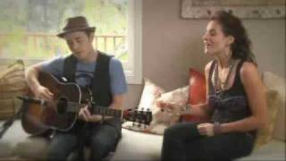 Kara DioGuardi and Jason Reeves sing Terrified