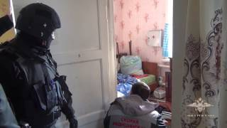 В Омске наркоман взял в заложницы 13-летнюю девочку