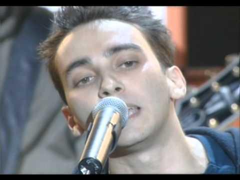 Saez « Jeune et con » Les Victoires de la Musique 2001