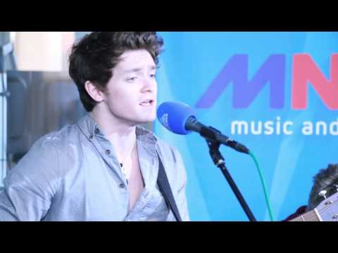 MNM: The Vamps - Wake Up [Live]