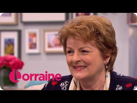 Brenda Blethyn Talks About Text Santa And The Return Of Vera | Lorraine