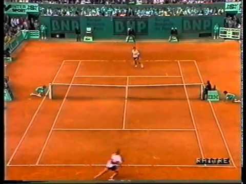 Gomez Agassi 1990 Roland Garros