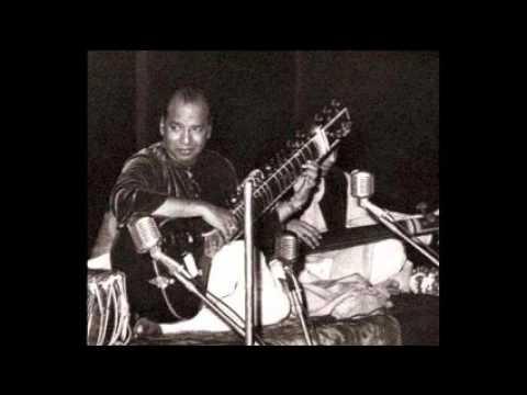 Ustad Vilayat Khan with Ustad Keramatullah...