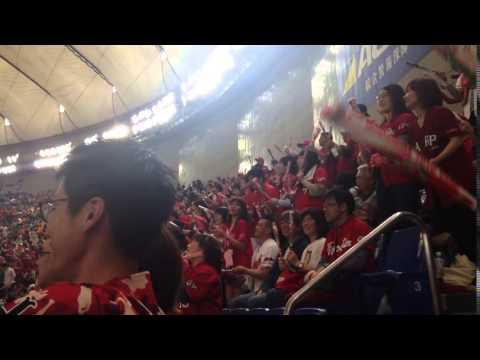 Yomiuri Giants Fans Cheer Thunderbats