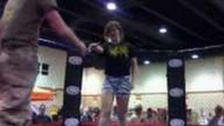 marine taps out against jiu jitsu girl