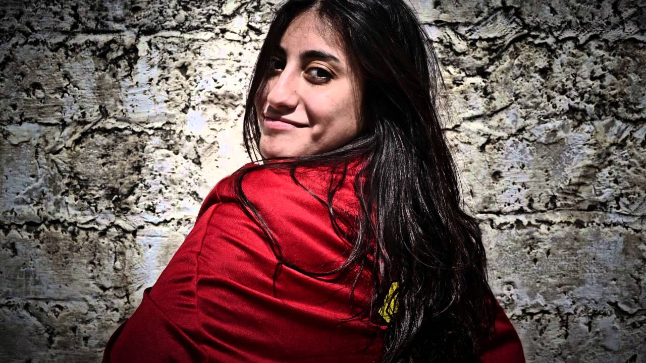 Quand les femmes de gaza portent la cape de superh ros for Portent translation