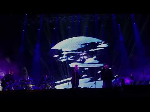 The National perform 'Nobody Else Will Be There' w/ Justin Vernon at Haven 2017