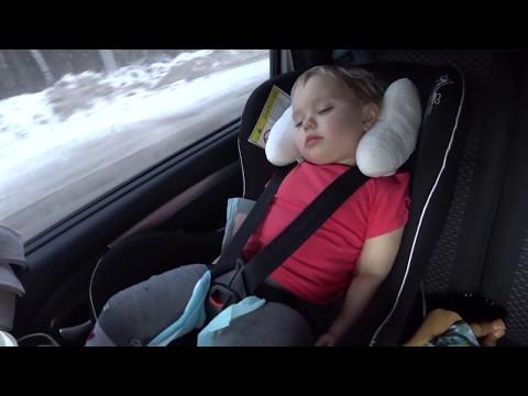 4 лайфхака для комфортного сна ребенка в машине. Путешествия с детьми