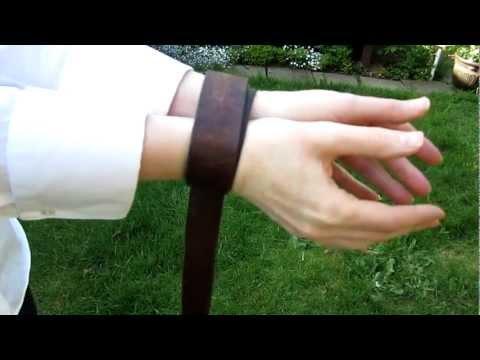 Secure emergency handcuffs