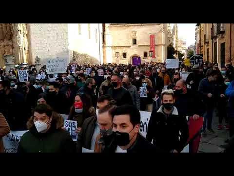 """Clamor en Valladolid contra los cierres y para exigir ayudas directas """"ya"""""""