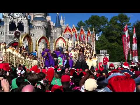 Disney Parks Christmas Day Parade Filming 2011 - Day 1 ...