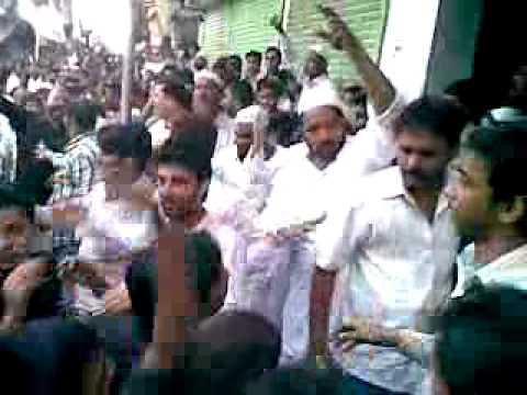 battle of Shia & sunni in Mumbai(9.1.2011).mp4