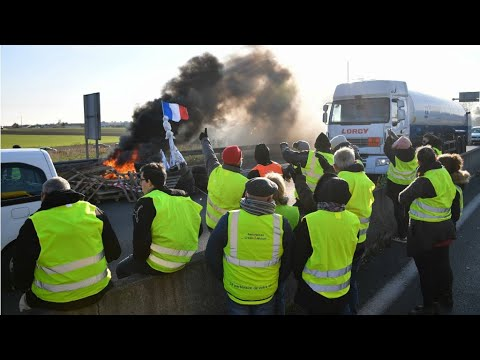 قوات الأمن الفرنسية تفض اعتصامات -السترات الصفراء- بالقوة  - نشر قبل 47 دقيقة