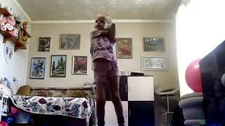 "Imagine Dragons - Thunder ---девочка танцует под клип ""Thunder"""