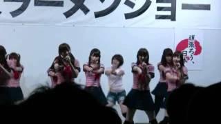 東京ラーメンショー2011 その4 KNU23 http://www.youtube.com/watch?v=TWW2UGIY7yE 同じ 撮っていた方がいらっしゃいました。 http://gigazine.ne...