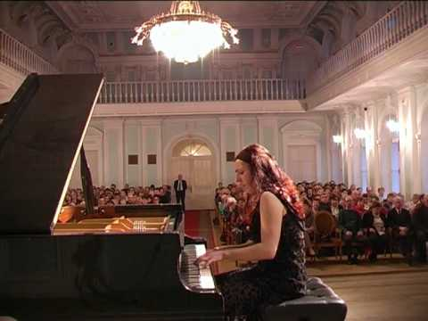 "Shorena Tsintsabadze plays Debussy ""Pour le piano"" - No 3. Toccata"