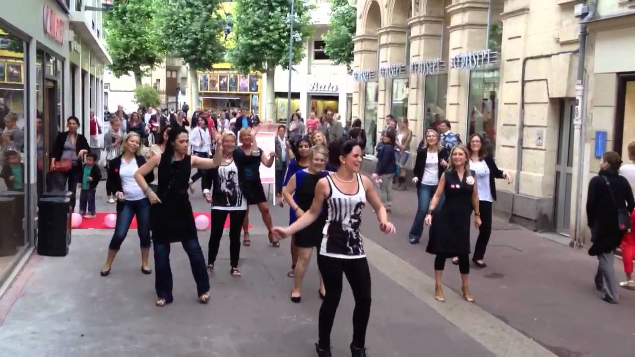 Flashmob Camaïeu Caen centre ville!!! - YouTube Shakira Youtube