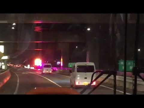 福岡都市高速 東浜出入口 夜間通行止め中 西鉄バスから撮影 - YouTube