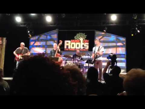 Pat and Jamie McLaughlin 1: 11-12-2014 Music City Roots