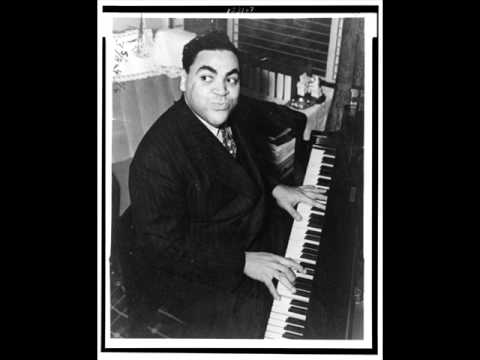 Fats Waller plays Tea for Two (piano solo, 1939)