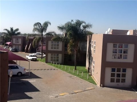 3 Bedroom Townhouse for sale in Gauteng | Johannesburg | Johannesburg South | Mulbarton |