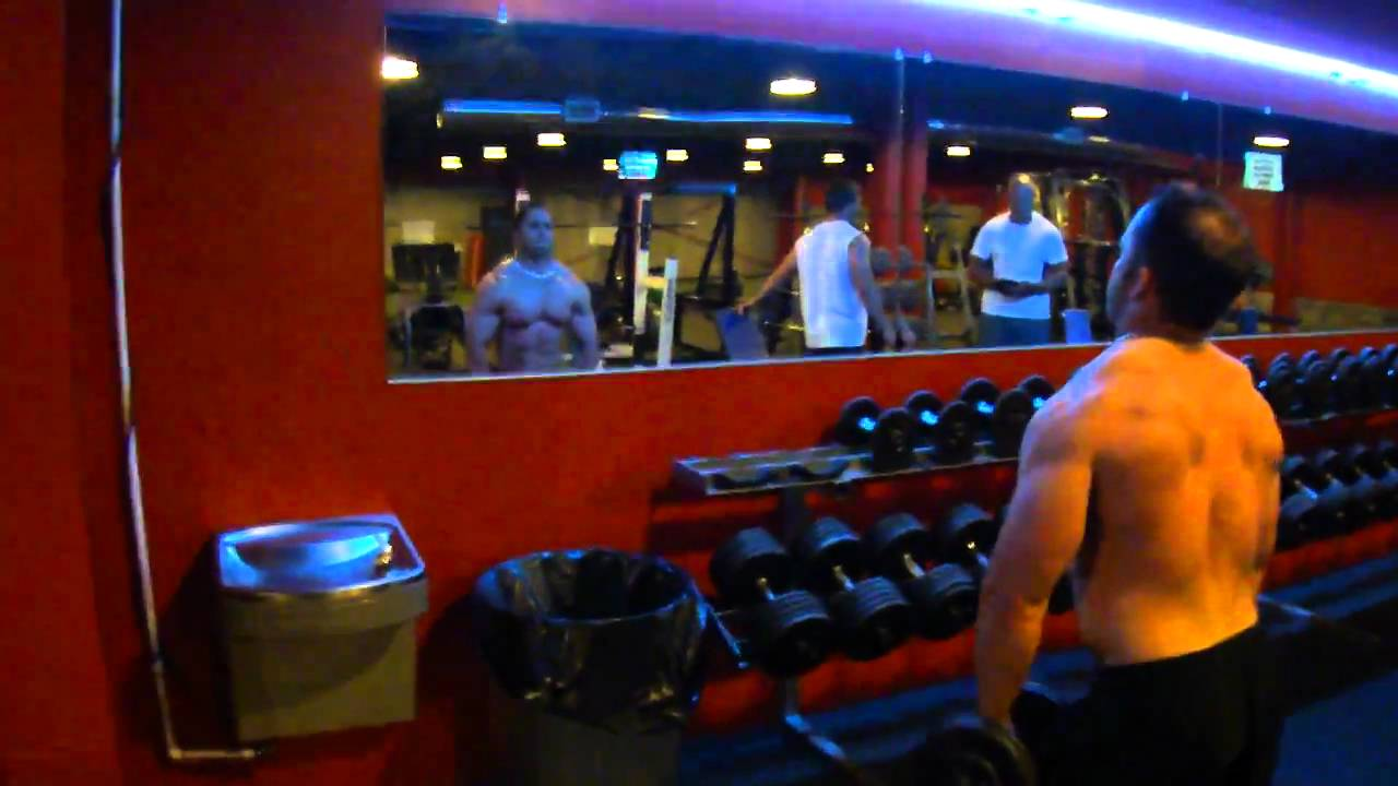 PaPaRoc in The Dungeon @ Anatomies Gym in Hattiesburg.MP4 - YouTube