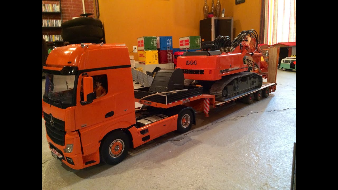 Rc Truck Trailer Delivering 944 Rc Excavator With Brixl