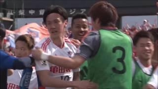 コーナーキックに矢野 貴章(新潟)が頭で合わせ、新潟が再びセットプレ...