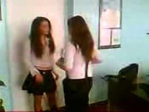 Девчонки унижают пацанов видео с телефонов фото 329-31