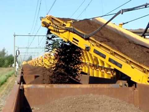 railunderlayment-dredger ballastcleaner strukton 3