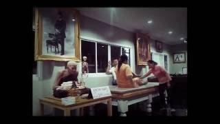 Repeat youtube video หมออดุล ราชบุรี(หมอจัดกระดูก)