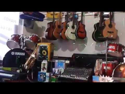 Selah Musica tienda pianos guitarras baterias