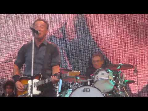 Bruce Springsteen - You Never Can Tell, Live in Leipzig 2013[HD]
