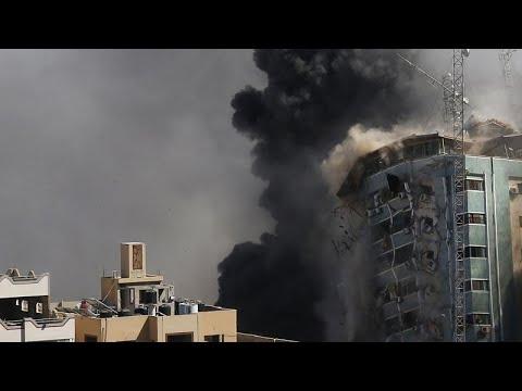 فيديو: إسرائيل تدمر مبنى الجلاء الذي يضم مكاتب الجزيرة وأسوشييتد برس في غزة …  - نشر قبل 57 دقيقة