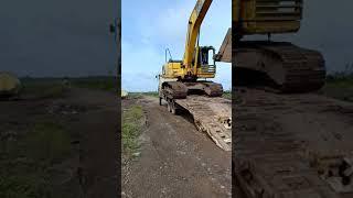 Santai Aja Muka Operator Excavator Nya Gaesszzz