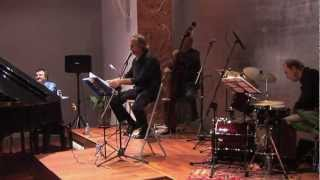 Baixar Espacio Ronda - SEASONS, PLACES AND CROONERS - Autumn in New York