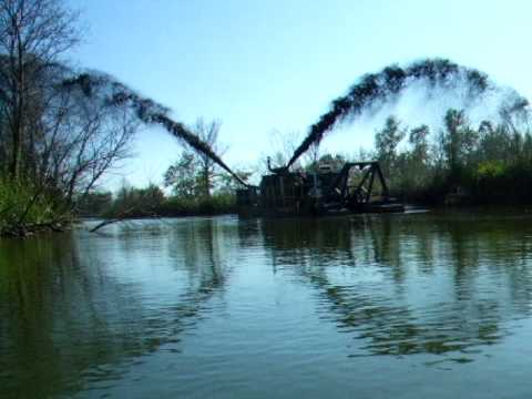 IMS 7012HP Versi-Dredge (dredger), dredges a river channel in Iowa to prevent future flooding