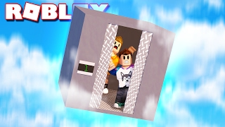 SURVIVE A ROBLOX ELEVATOR FALLING THROUGH THE SKY!