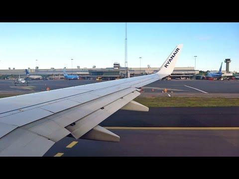 Ryanair Boeing 737-800 EI-DYL Take Off at Gothenburg Landvetter Airport