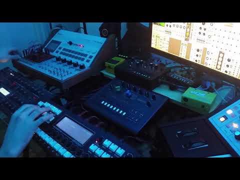 AFX - vbs.redlof.b synth cover on the Cirklon