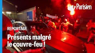 «Je vous laisse, y a les keufs»: des supporters de Paris devant le Parc des Princes après PSG-Bayern