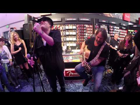 Blues Traveler - Run Around - Acoustic @ NAMM 2015 - Fender Booth