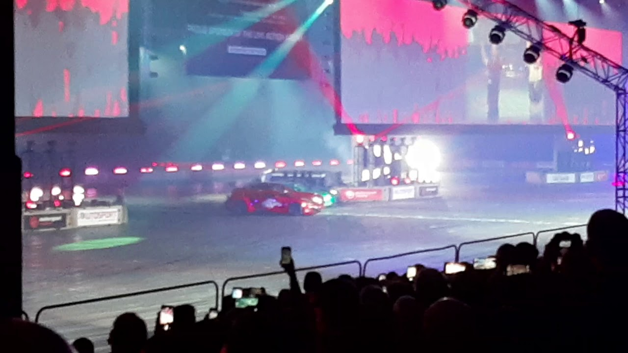 TERRY GRANT JUMPS OVER 4 CARS INCLUDING HIS OWN UNDING A TROPHY TRUC AT AUTOSPORT INTERNATIONAL 2020