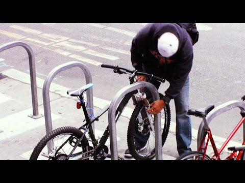 Undercover Cops Catch a Bike Thief in the Act | 20/20 | ABC News streaming vf