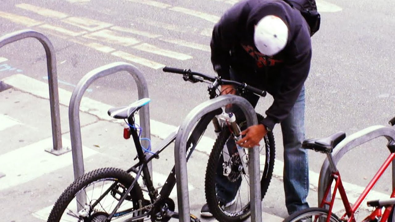 Undercover Cops Catch A Bike Thief In The Act 20 20 Abc News
