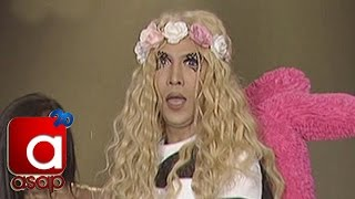 "Vice Ganda sings ""Wag Kang Pabebe"" on ASAP"