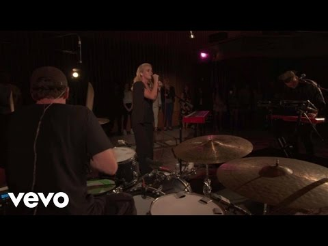 Broods - Conscious (Live From Capitol Records Studio A)