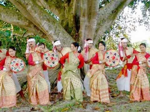 Moyna Cholat Cholat Korere  Bengali Folk Song ....
