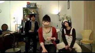 公式Twitter/goosehouseJP Webサイト/www.goosehouse.jp Play You. House 2nd 10/30 03 ボーカル:竹澤汀 キーボード:K.K. 木村 カホン:神田莉緒香.