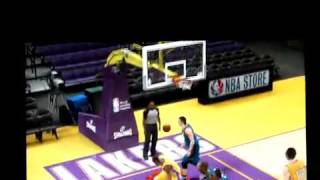 Alley-oop pass to Kobe Bryant 360 Dunk - NBA 2K10
